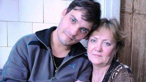 В роддоме сказали, что их сын умер, но спустя 27 лет они узнали правду