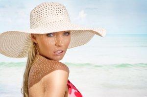 Шляпа крючком для женщин: схема и описание